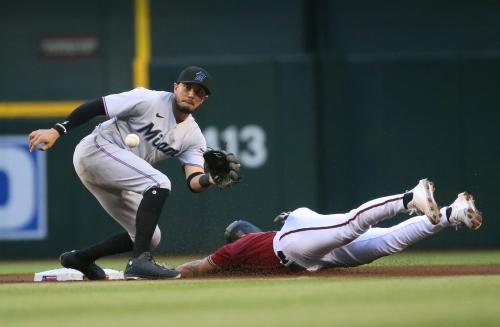 Diamondbacks bats stumped in loss to Marlins
