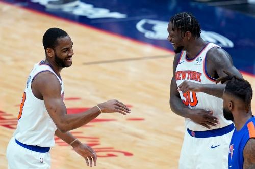 Alec Burks helps Knicks keep pace in playoff seeding race