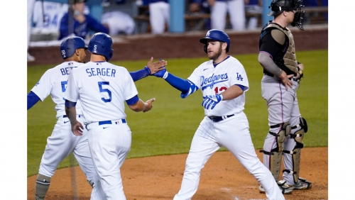 Dodgers' offense keeps rolling in win over Marlins
