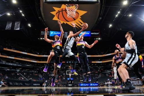 Phoenix Suns vs. San Antonio Spurs live chat