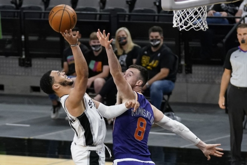 Spurs lose to Suns in a game that was over before it even started