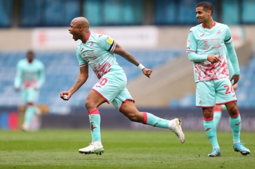 Andre Ayew opens up on 'many offers' as Liam Walsh signing now very close