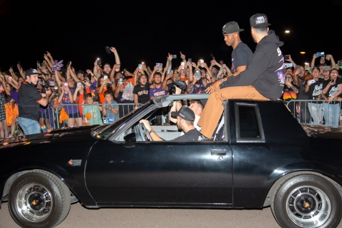 Phoenix Suns fans won't be allowed to meet team after NBA Finals, Sky Harbor Airport says
