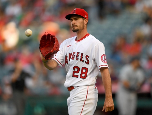 Angels' late rally comes up just short in loss to Mariners