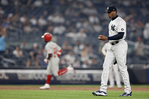 Aroldis Chapman, in midst of rough streak, recovers to close out Yankee win after giving up homer to Andrew McCutchen Tuesday