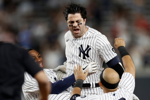 Ryan LaMarre lifts New York Yankees to fourth straight win with walk-off hit in 10th