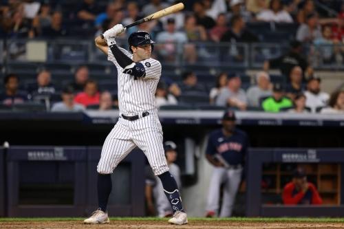 Yankees 6, Phillies 5: Ryan LaMarre plays hero in extras