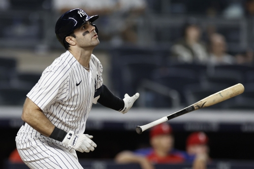 Yankees head to Fenway to face the Red Sox feeling good thanks to boost from 'Rail Birds'