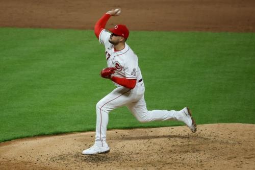 Yankees call up reliever Sal Romano, DFA Asher Wojciechowski