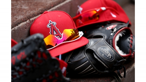 Minor leaguers take aim at Angels for lack of off-the-field support