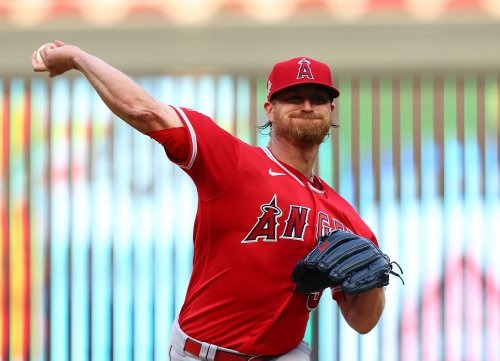 Raisel Iglesias gives up late lead in Angels' loss to Twins