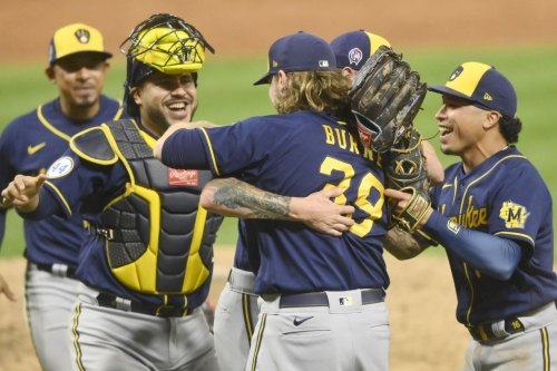 Postgame interviews and stats following the Burnes-Hader no-hitter for the Milwaukee Brewers