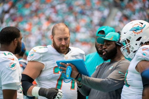 X's and Omar: Can Miami Dolphins' offensive line issues be fixed?
