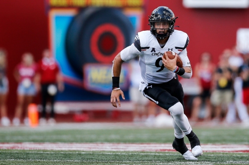 Idle UC Bearcats move up one spot to No. 7 in AP poll, one spot to No. 8 in coaches poll