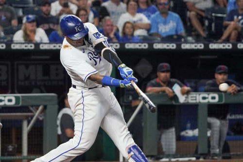 Eighth-inning rally lifts Royals 6-4 over Indians