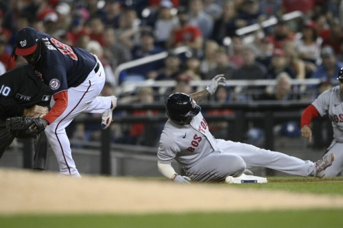Red Sox beat Nats 4-2, pick up game on Yanks in WC chase