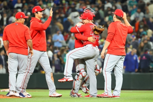 Angels Play Spoiler to Playoff Hopeful Mariners as they Take Game One of Series