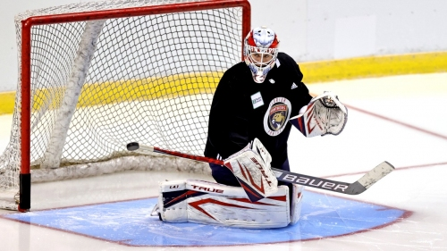 Canadiens claim goaltender Samuel Montembault off waivers from Panthers