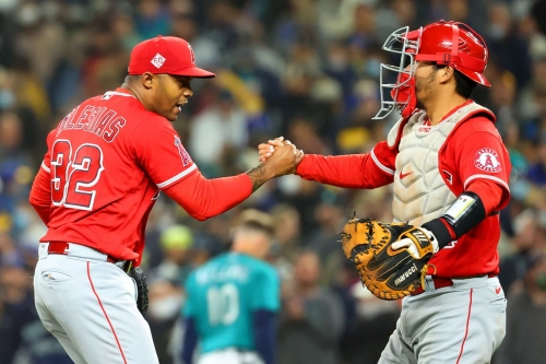Angels look to eliminate Mariners from playoff contention on Saturday