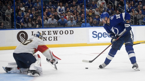 Perry, Stamkos score two each as Lightning beat Panthers