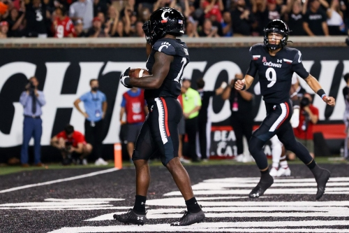 Bearcats Climb to No. 3 in Latest AP Poll