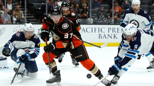 Mason McTavish scores in NHL debut as Ducks beat Jets