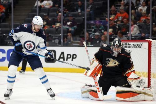 Liveblog: Ducks take down Jets in season opener