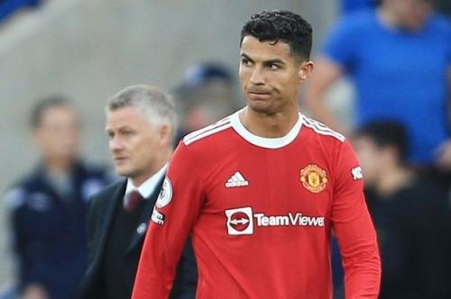 Ole Gunnar Solskjaer handed Cristiano Ronaldo instructions after 'woeful' Man United display