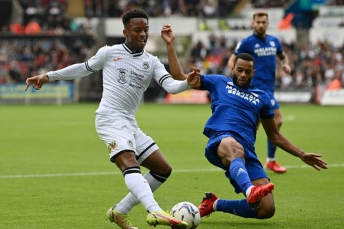 Ethan Laird sends transfer message to Manchester United with stunning Swansea display vs Cardiff