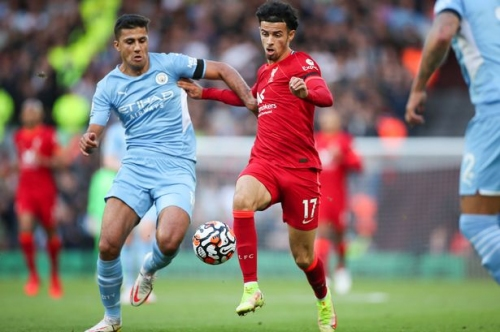 Steve McManaman claims Manchester City and Liverpool have 'set the standard' in the title race
