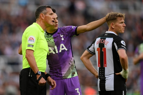 """""""You have to stop the match!"""" Sergio Reguilon recounts actions during Toon-Tottenham emergency"""