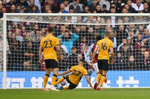 Wolves star Romain Saiss reveals Aston Villa moment that 'made them sorry and shut up'