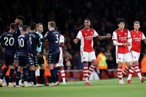 'Embarrass themselves' - How national media reported on Aston Villa's dismal defeat to Arsenal