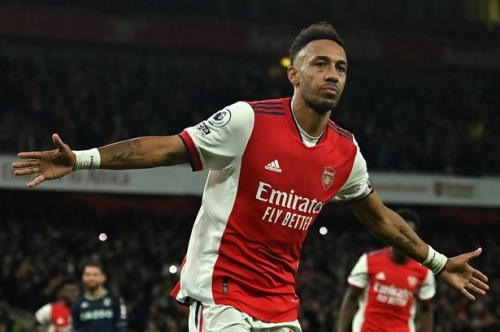 Why Aubameyang and Arsenal's second goal vs Aston Villa should have been disallowed