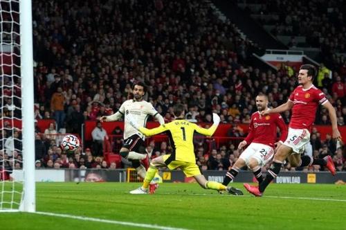 Aston Villa fans pile in on Man Utd misery as Liverpool run riot