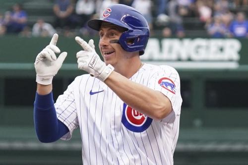 Cubs 40-man roster coin flips: Frank Schwindel