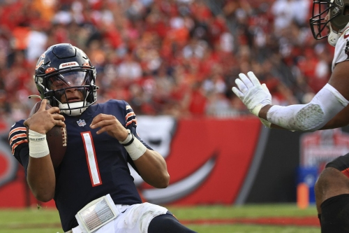 Bears put up impressively thorough loss to Buccaneers in lopsided thumpdown