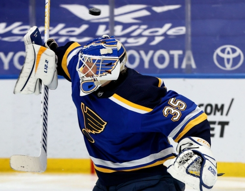 Husso gets first start of the season in goal for Blues against Kings