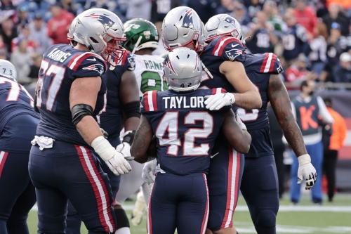 NFL playoff picture: Patriots move up into 9th seed after blowing out Jets