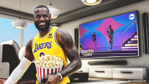 Lakers star LeBron James reacts to Iman Shumpert's perfect score on Dancing with the Stars