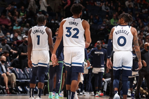 """""""We got to help them"""": Edwards, Towns Shoulder Blame for Wolves' Offensive Woes"""
