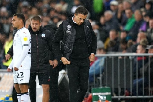 Former Albion striker defends Ismael against talkSPORT presenter criticism