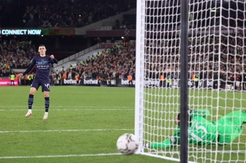 Man City's incredible Carabao Cup run ends as Phil Foden misses in penalty shootout
