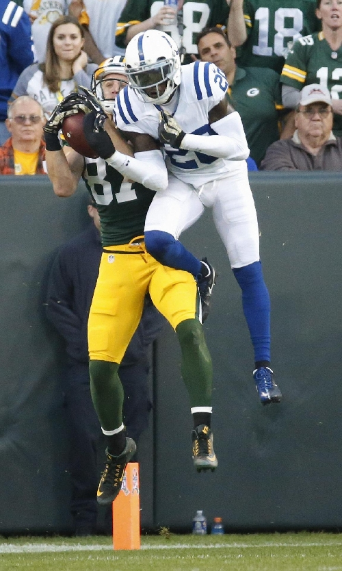 Gore, Todman power Colts, before D holds off Packers 31-26 The Associated Press