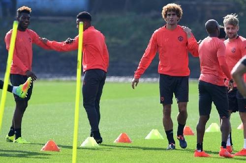 Manchester United midfielder Marouane Fellaini sent home injured from international duty
