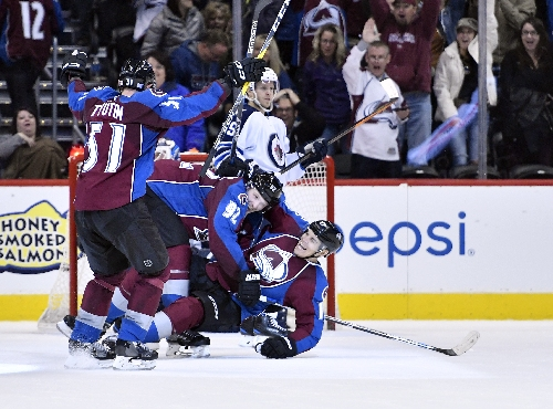 Avalanche wins in overtime over Jets, but Matt Duchene appears injured