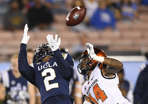 UCLA's pick-six puts away Oregon State Beavers: Game at a glance