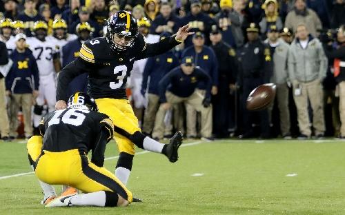 Hawkeyes stun No. 2 Michigan on Duncan's game-winning field goal
