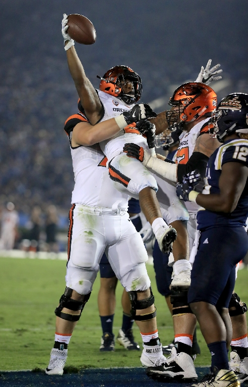 Road weary: Describe Oregon State's loss to UCLA in 5 words or less