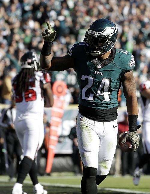 Ryan Mathews runs for 2 scores, Eagles beat Falcons 24-15 The Associated Press